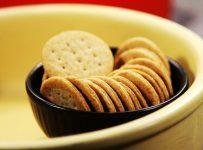 Whole wheat sweet soda cookie