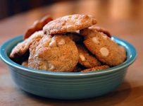 Gluten free white chocolate chip cookies